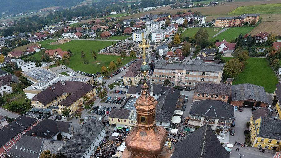 Barocker Zwiebelturm Vogelperspektive